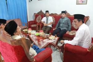 Bupati Magelang didampingi Kepala Desa Sambak dan Camat kajoran